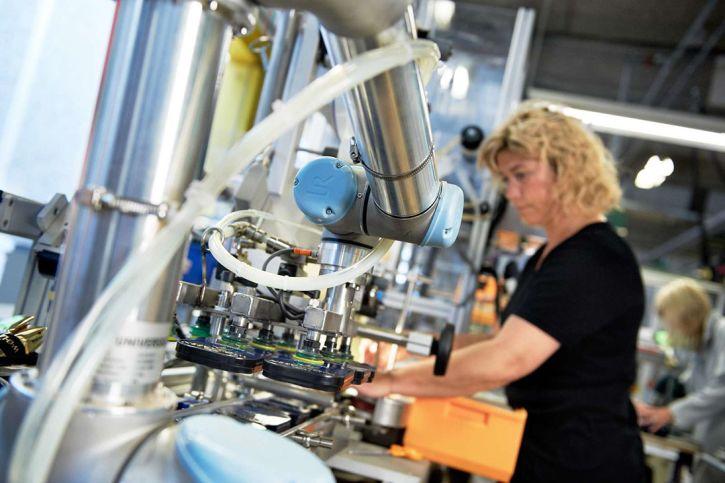 Universal Robots' new e-Series line of collaborative robots has built-in force/torque sensing