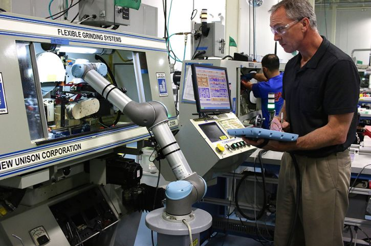 The new e-Series line of collaborative robots feature an updated user interface enabling faster integration with end-effectors and peripherals through the UR+ platform