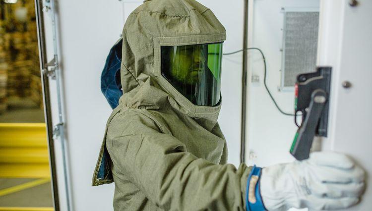 proper arc flash PPE